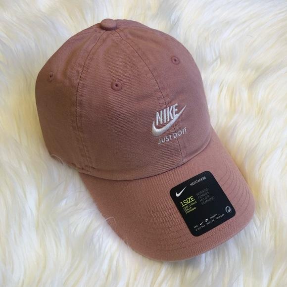 b6e01e968c9 Women s Nike Heritage86 Hat